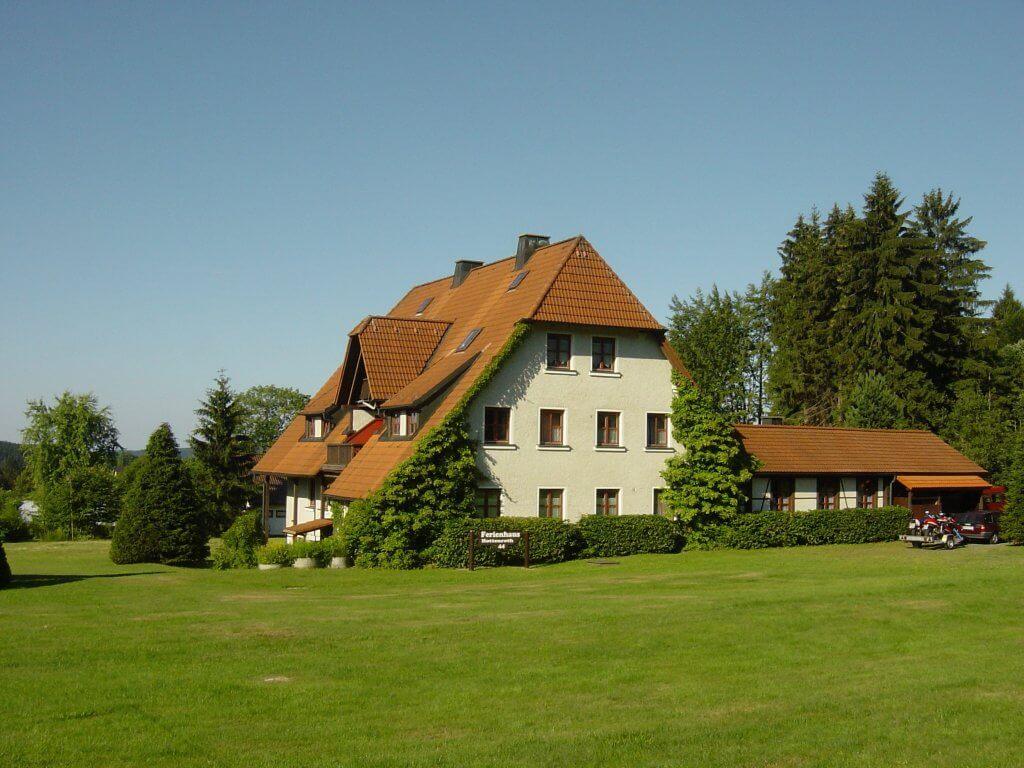Fichtelgebirge: Ferienwohnungen am Waldrand